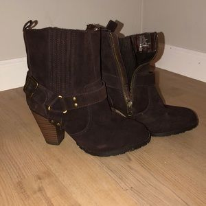 Brown mid boots!